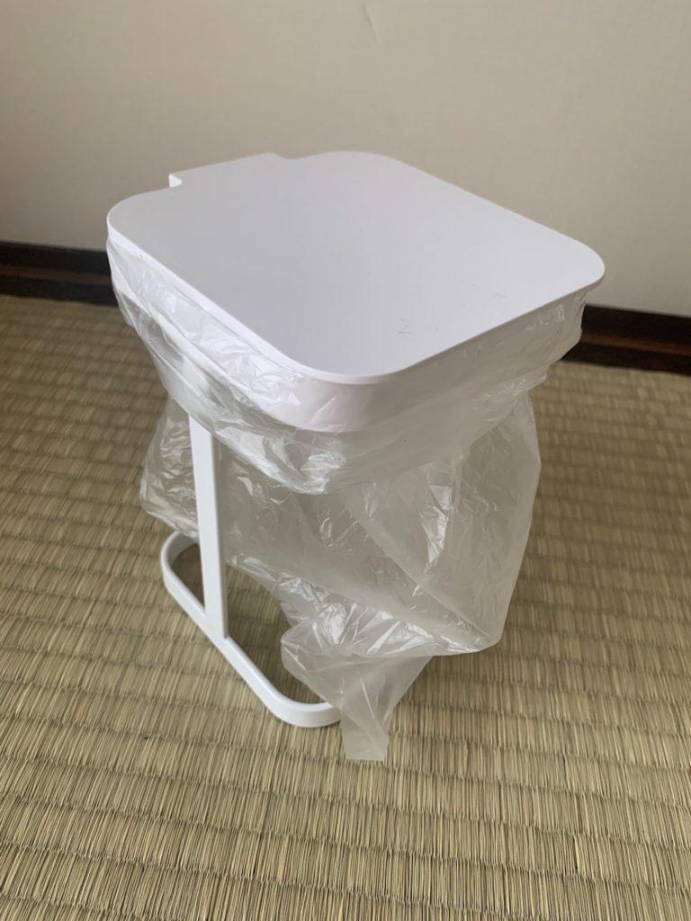 【臭い・コバエ対策】キッチンの生ゴミにはフタ付きのホルダーが超おすすめ