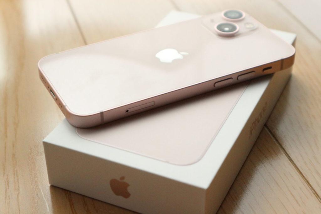 iPhone 13 mini 発売日に購入しました!!